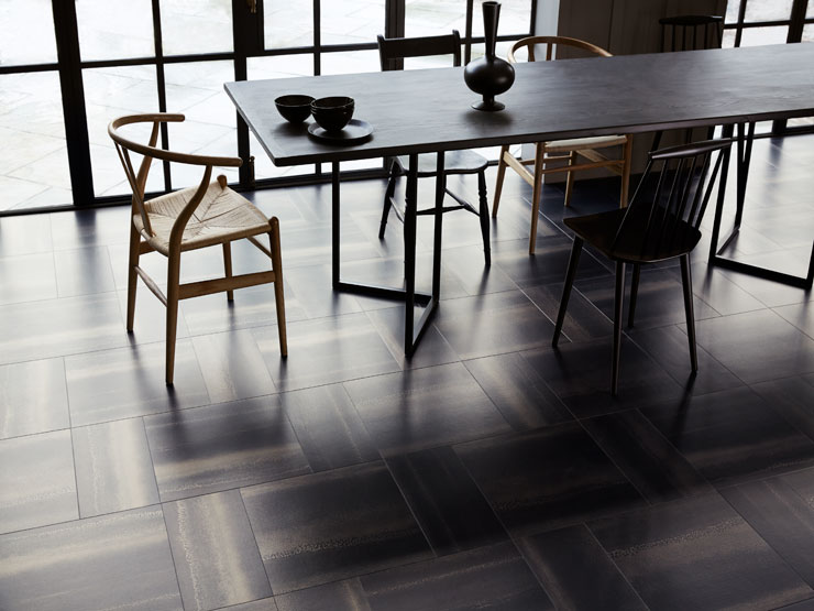 Chroma Black in Block Weave laying pattern, Amtico Signature