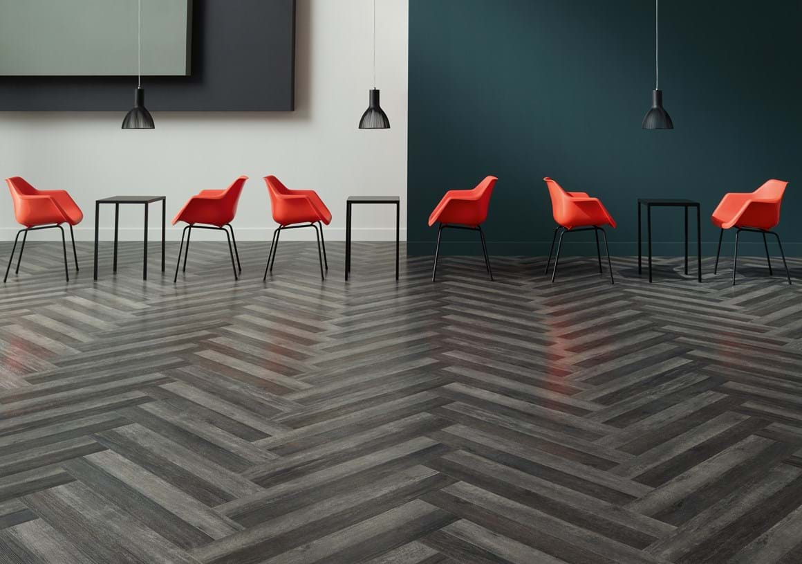 Blackened Spa Wood (SS5W3025) and Drift Pine (SS5W3027) in a Wishbone plank laying pattern