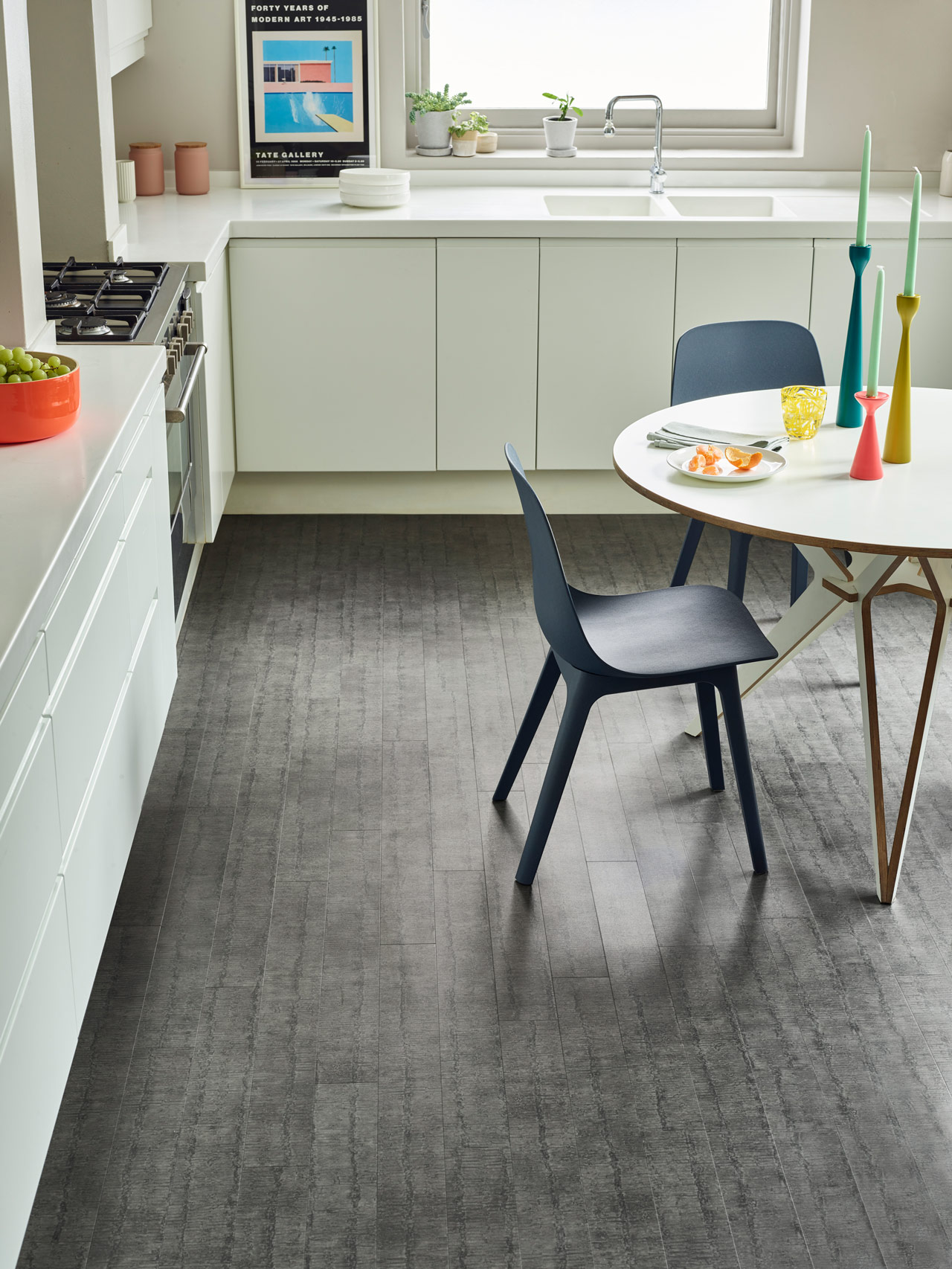 Amtico Spacia Ridge Flint (SS5A3624) in a Stripwood laying pattern