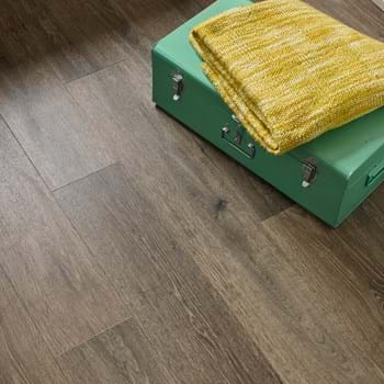 Amtico Spacia Noble Oak (SS5W3030) in Stripwood laying pattern