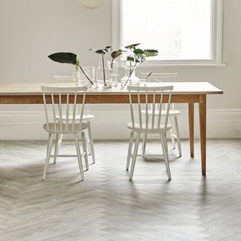 Amtico Spacia in White Ash (SS5W2540) in a Herringbone plank laying pattern