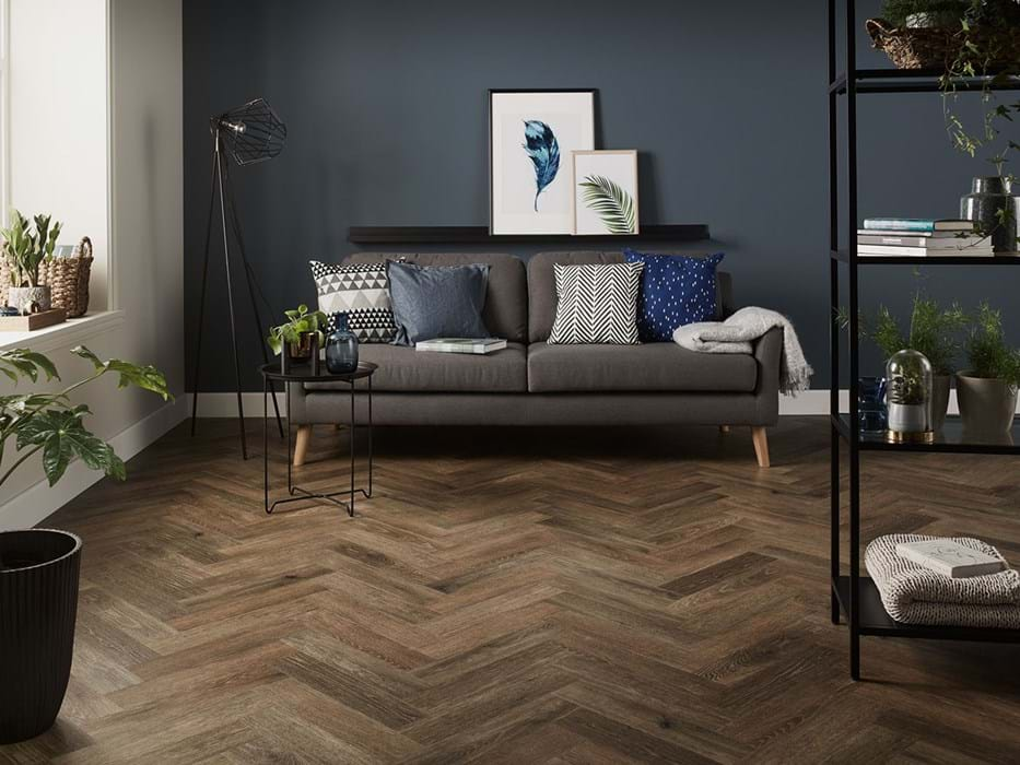 Amtico Spacia Noble Oak (SS5W3030) in Parquet laying pattern