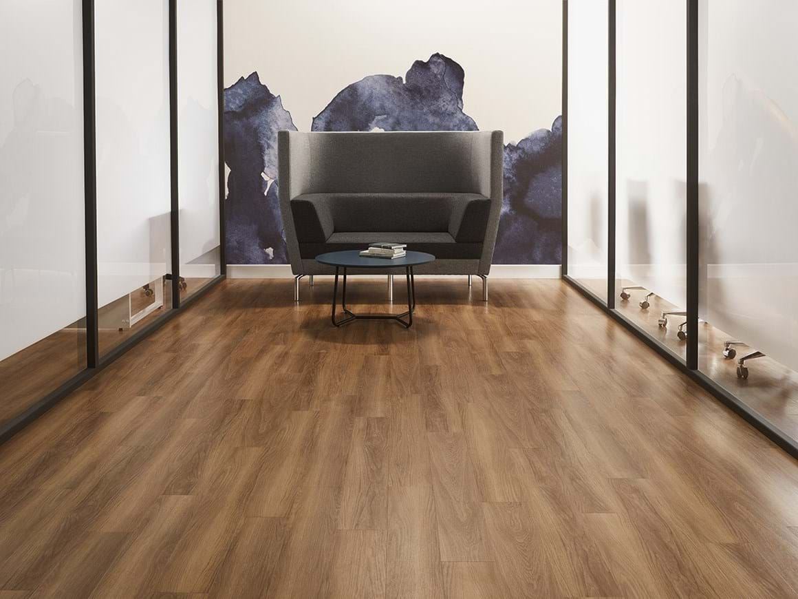 Amtico Access Honey Oak SX5W2504 in Stripwood Laying Pattern