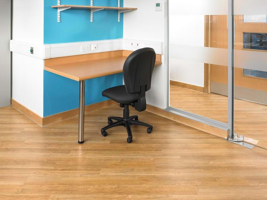 American Oak AR0W7050 | Amtico Commercial LVT Flooring from