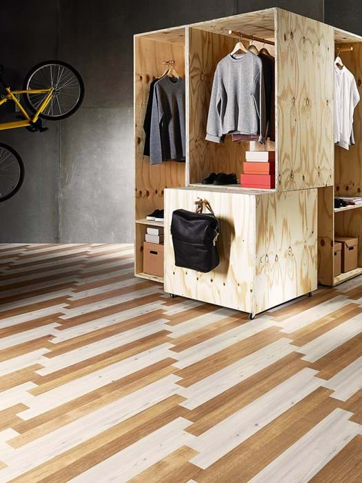 <p>Amtico Signature White Oak AR0W7520 and Amtico Signature Chalked Pine AR0W7750</p>