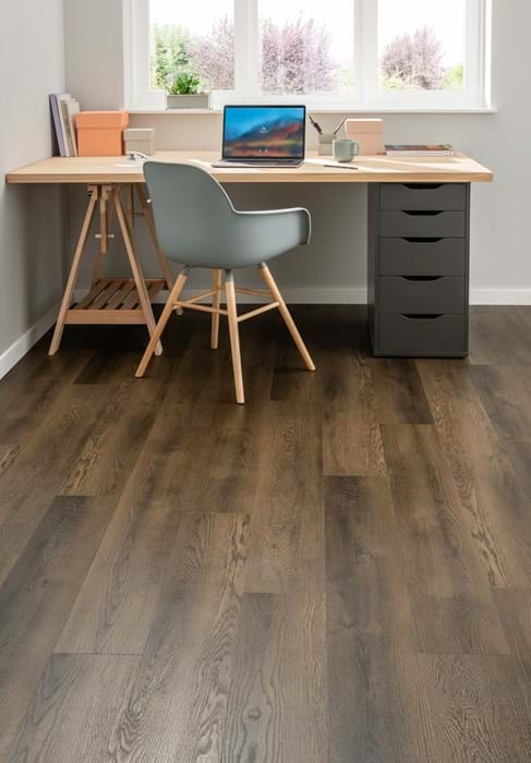 <p>Amtico Click Smart Porter Oak, SB5W3078. Laid in Stripwood laying pattern.</p>