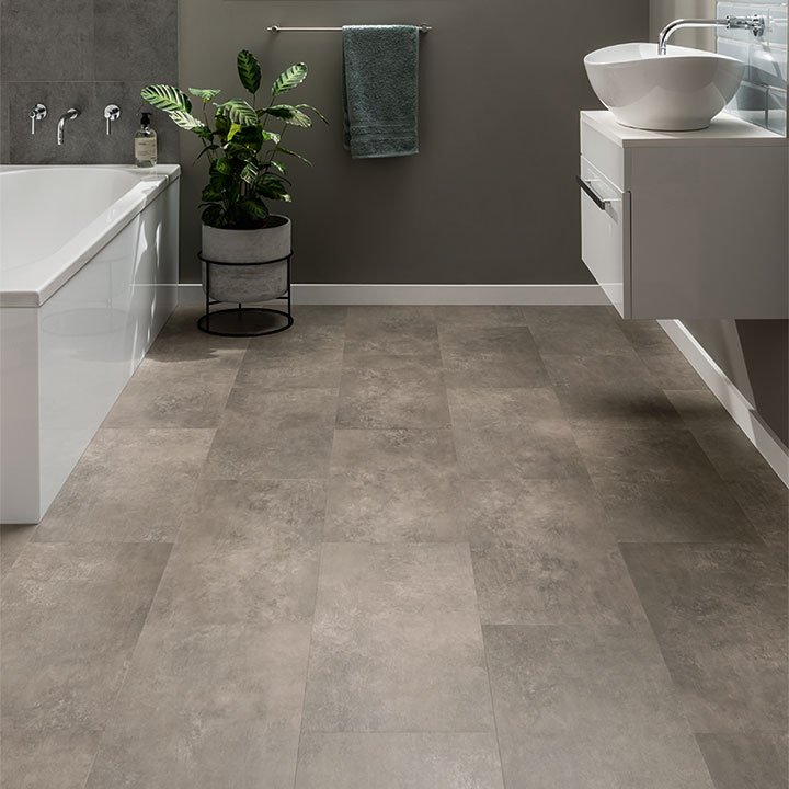 Portland from the Amtico Click Smart collection in a stripwood laying pattern