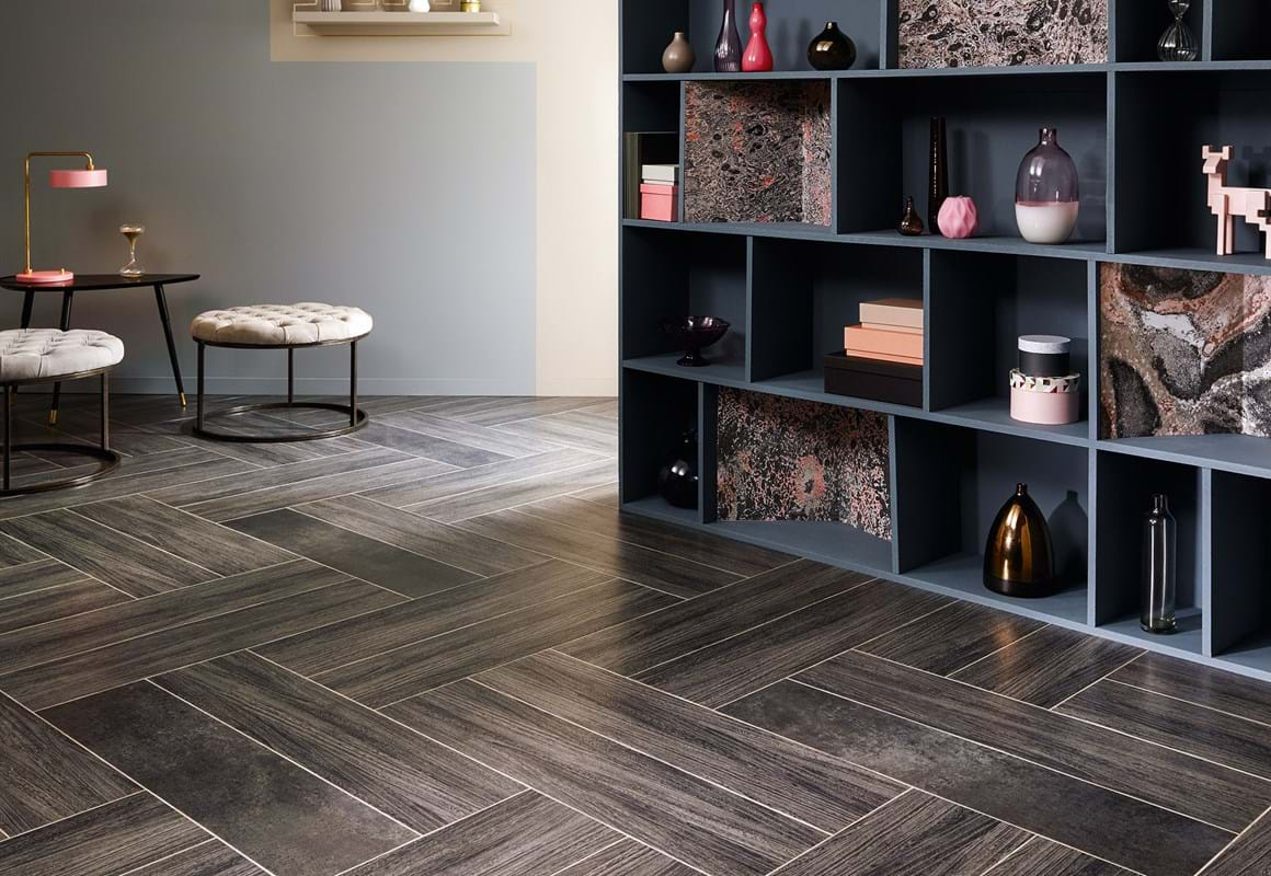 Amtico Signature LVT in Quill Gesso (AR0W8060) and Kura Opium (AR0SKU49) with Concrete Pale (AR0SCN30) stripping in a double-width large plank pattern