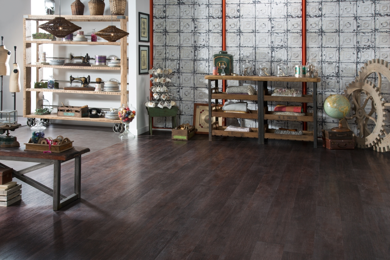 Amtico Spacia LVT in Metropolis Smoke (SS5A2627) with Port Oak (SS5W2311)