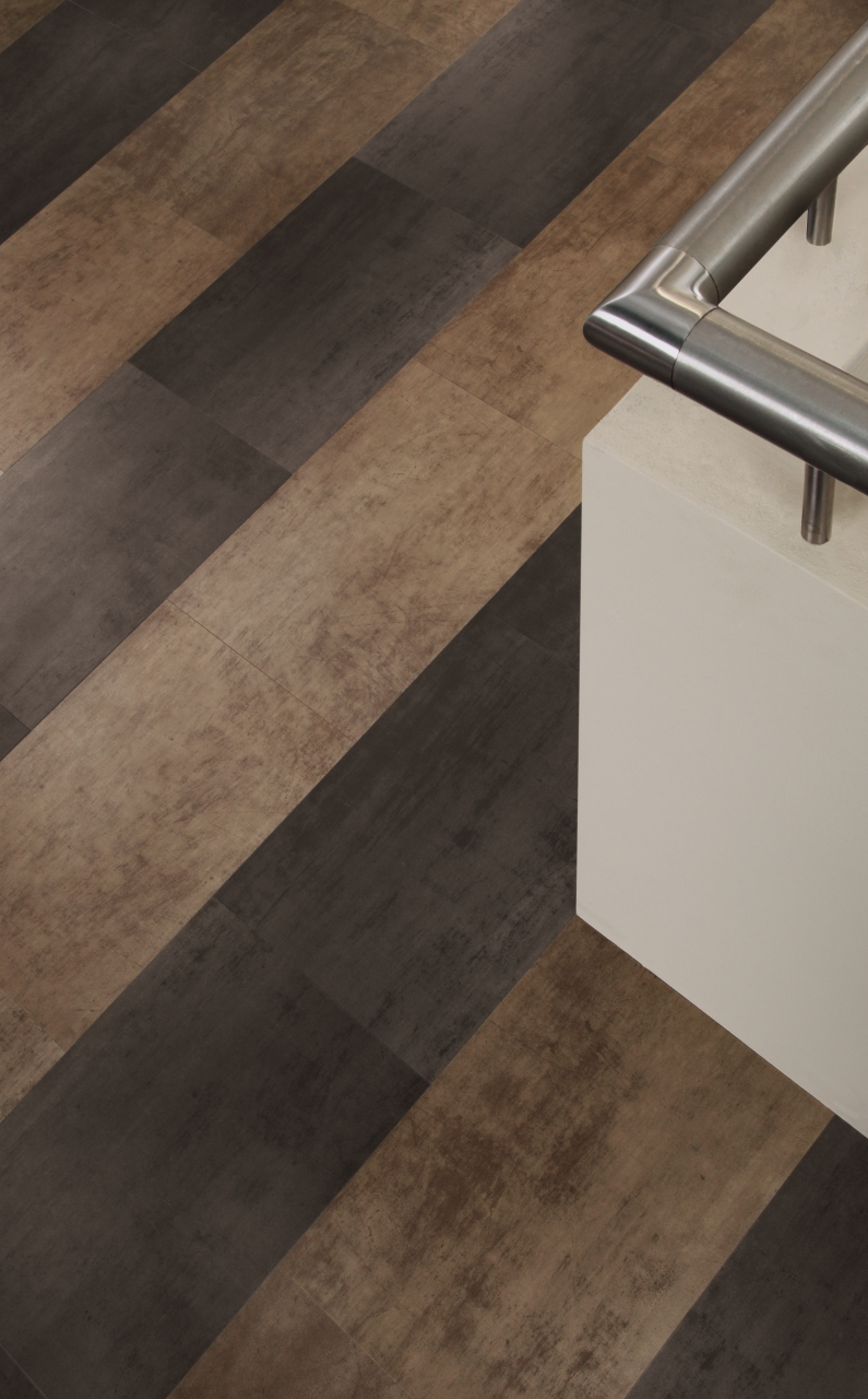 Amtico Spacia LVT in Steel (SS5A2804) with Bronze (SS5A4805)