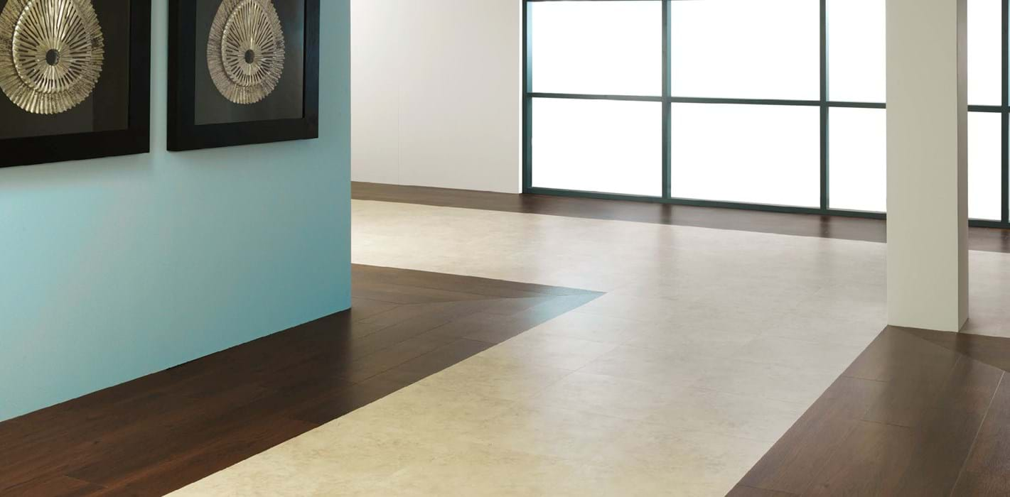 Amtico International: Crema Travertine - SS5S1589
