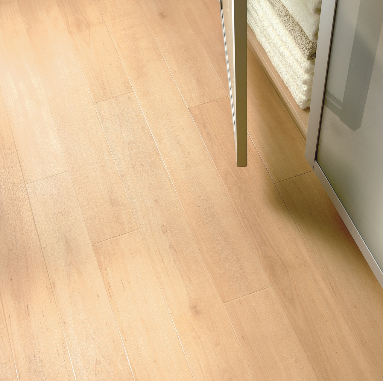 Amtico Spacia LVT in Warm Maple (SS5W2502)