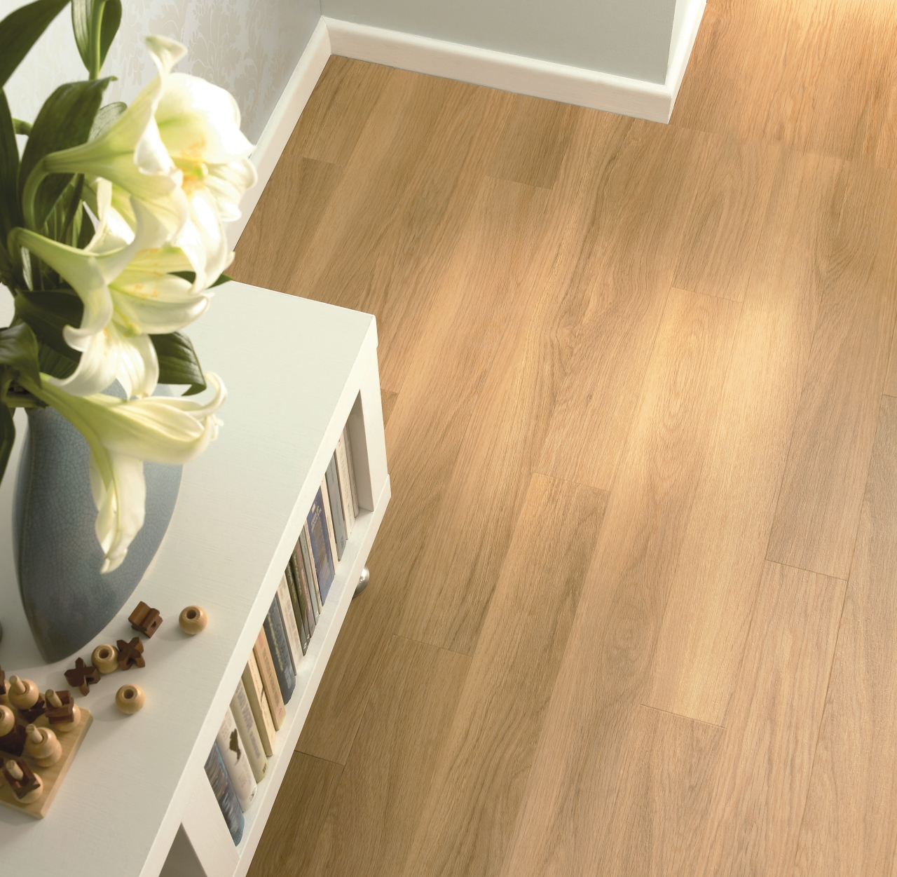 Amtico Kitchen Flooring Honey Oak Beautifully Designed Lvt Flooring From The Amtico