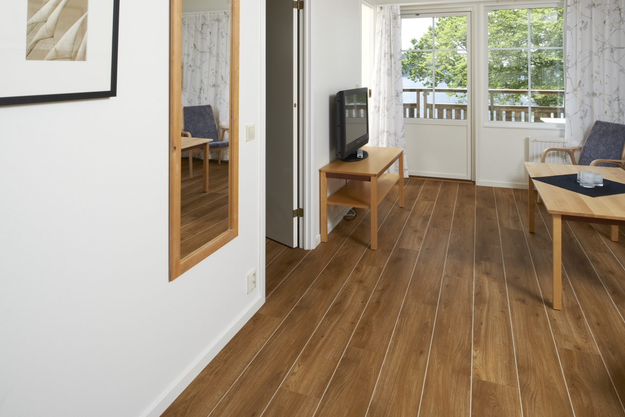 Traditional Oak Beautifully Designed Lvt Flooring From