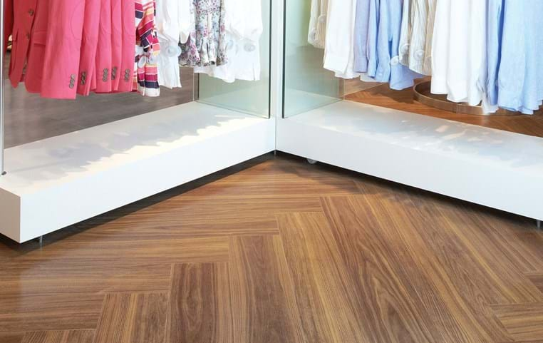 Amtico International: Exotic Walnut - SS5W2541