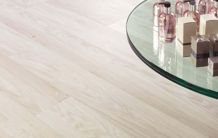 White Oak: Beautifully designed LVT flooring from the Amtico ...