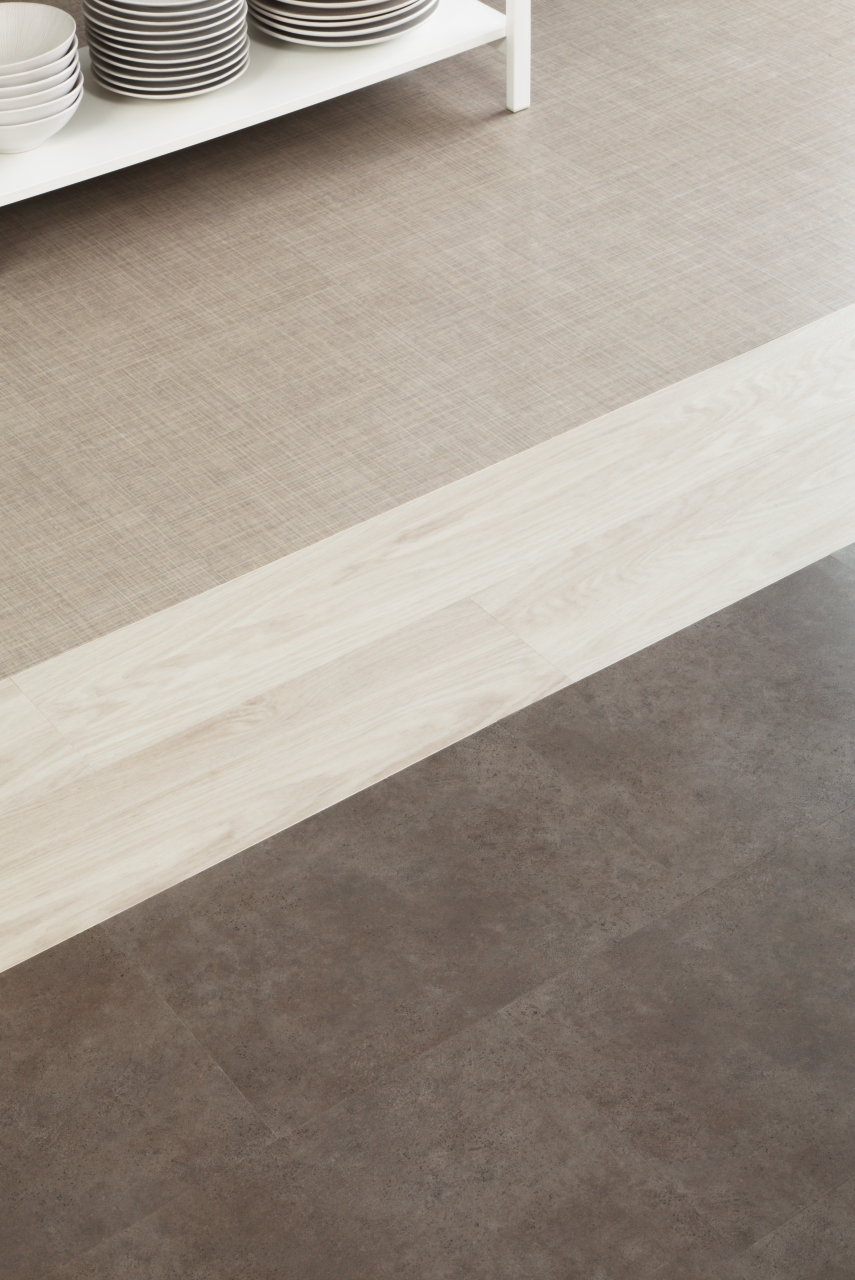 Amtico Spacia in White Oak (SS5W2548) with Ceramic Sable (SS5S3593) and Linen Weave (SS5A3800)