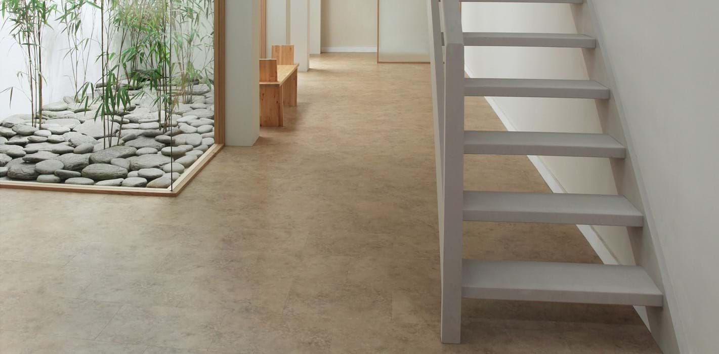 Amtico International: Noche Travertine - SS5S4590