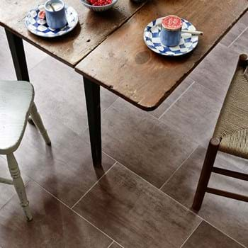 Amtico Spacia LVT in Bronze (SS5A4805) in Broken Bond Laying Pattern